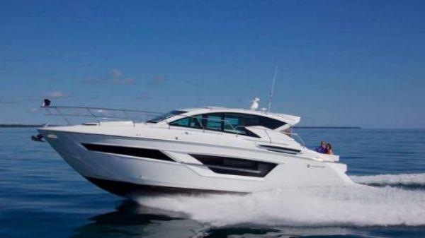 Cruisers Yachts CANTIUS 46