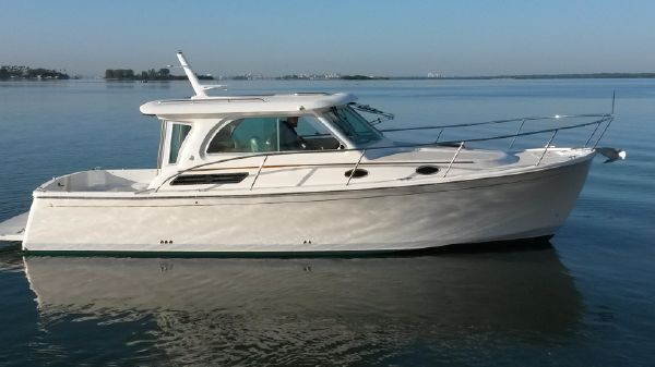 Back Cove 32' Express
