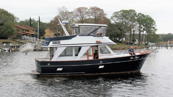 Sea Ranger 39 Sedan