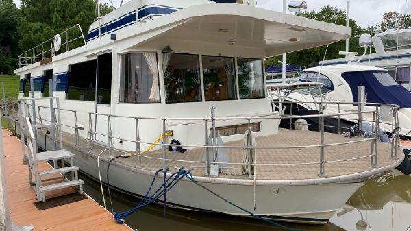 Pluckebaum Houseboat