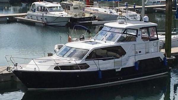 Aquastar 430 Aft Cabin