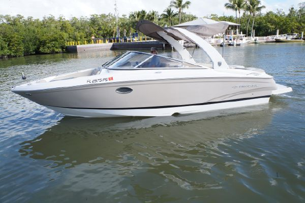 Regal 2700 Bowrider - main image