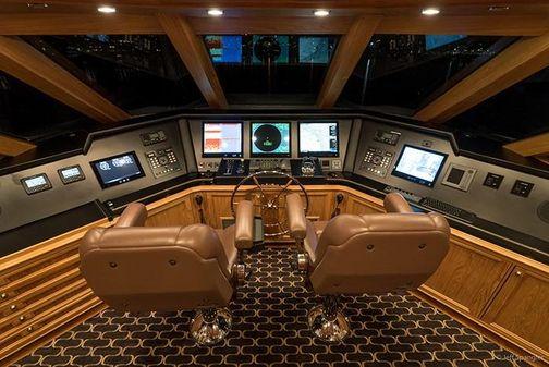 Crescent Tri-Deck Cockpit MY Westport image