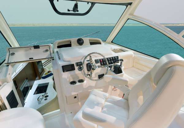 2019 Grady-White Express 330 Port Orange, Florida - Atlantic Marine