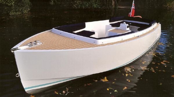English Harbour 16 Slipper Launch - Electric English Harbour 16 - Electric Propulsion