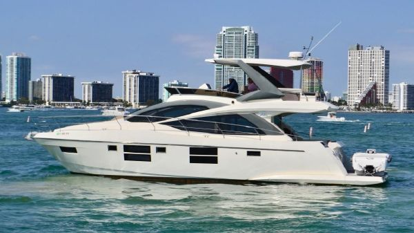 Astondoa Custom Flybridge