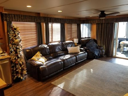 Lakeview 16 X 76 Houseboat image