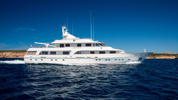 Hakvoort Displacement Motor Yacht