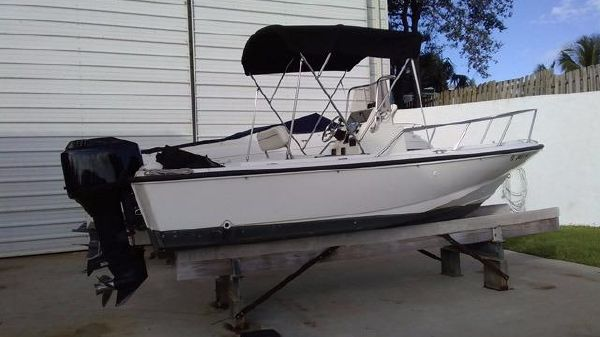 Boston Whaler Outrage II Center Console