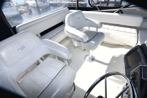 Carver 370 Flybridge Sedan image