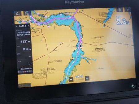 Sea Ray Fly 400 image