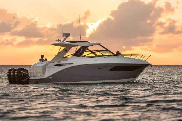 Sea Ray 320 Sundancer - main image