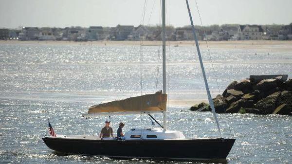 e Sailing Yachts e33