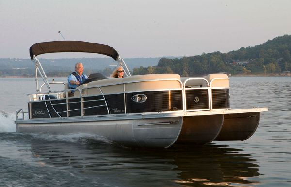 2021 Landau Island Breeze 252 Cruise Swingback Lounge