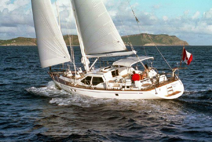 1998 Oyster 63 Pilot Saloon