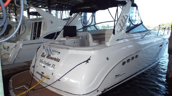 Chaparral 350 Signature Starboard Profile 1