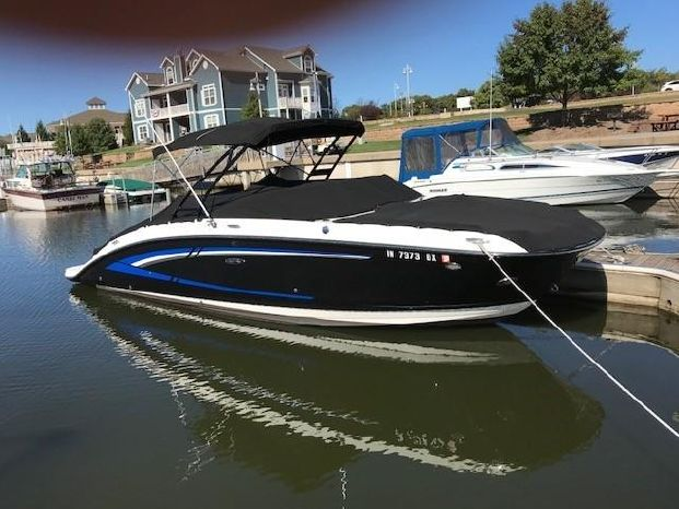 2015 Sea Ray 270 Sundeck Michigan City, Indiana - Pier 33