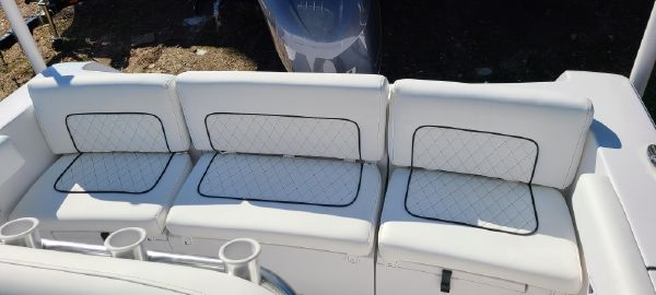 Sportsman Heritage 231 Center Console image