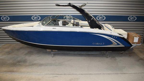 Cobalt R7 Surf