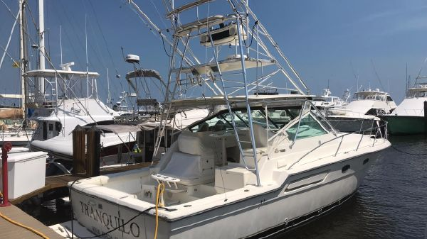 Tiara Yachts 37 Open with Tower
