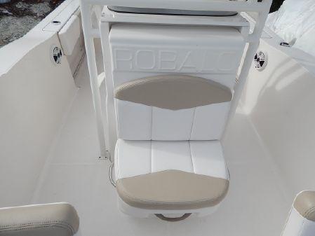 Robalo R202 image