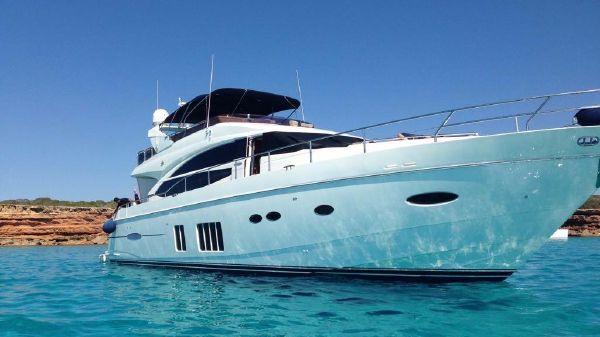 Princess 72 Motor Yacht Princess 72 Flybridge