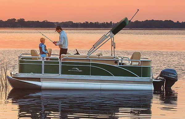 2019 Bennington S 18 Narrow Beam Fishing