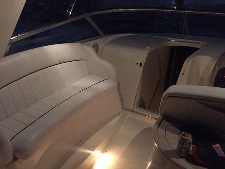 Rinker 330 Fiesta Vee image