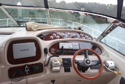 Sea Ray 380 Sundancer image
