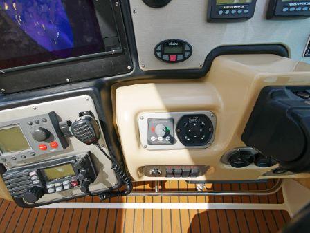 Cruisers Yachts 500 Express image