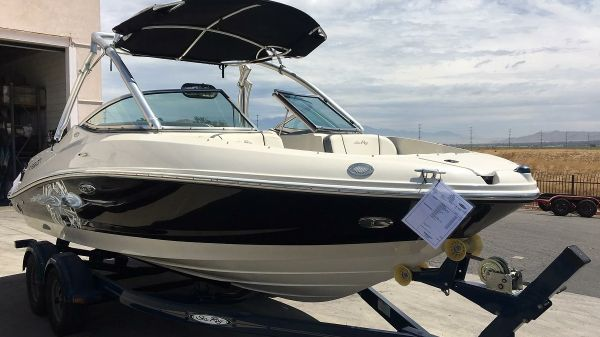 Sea Ray 210 Fission