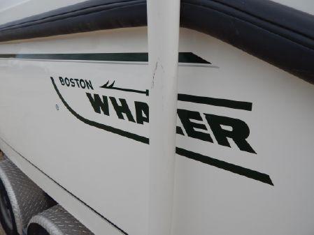 Boston Whaler 23 Outrage image