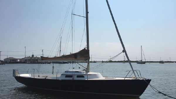 Lyman-Morse eSailing Yachts e33