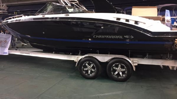 Chaparral 227 SSX Surf Boat