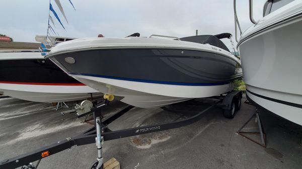 Four Winns Power Boats For Sale - Louis Marine Ltd