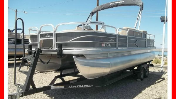 Sun Tracker 22 Fishing Barge
