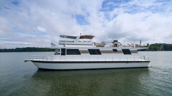 Pluckebaum Coastal Cruiser Port profile