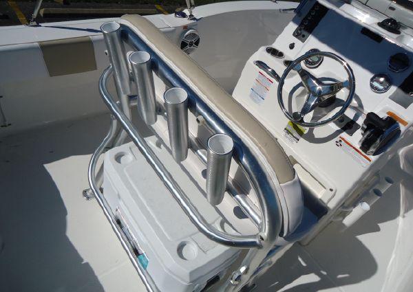 Robalo R180 Center Console image
