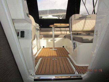 Bayliner VR6 Cuddy image