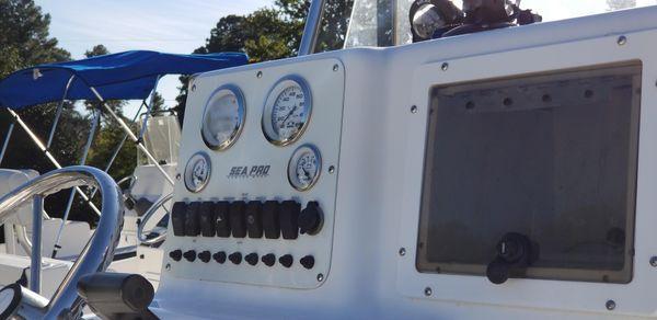 Sea Pro 206 Center Console image