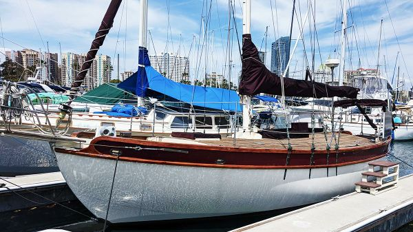 Sailboat Kendall Atkin Crealock 32
