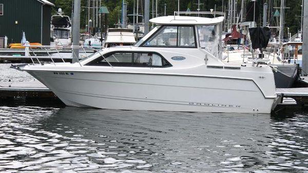 Bayliner 242 Hardtop Express Dockside Exterior - Profile