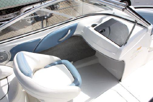 Bayliner 215 Bowrider image