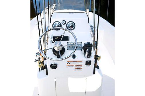 Bayliner Element F18 image