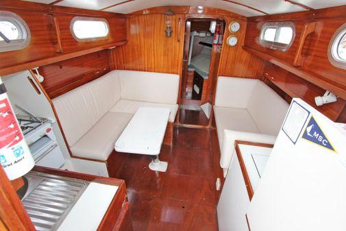 Hallberg-Rassy Rasmus Nab center cockpit sloop image