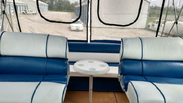 Chris-Craft Catalina 281 image