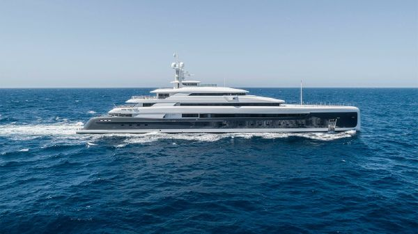 Pride Mega Yachts Pride Mega yachts 290