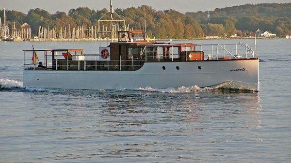 Classic 65' Motoryacht