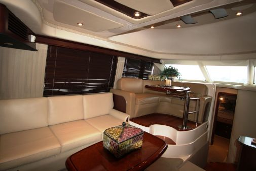 Sea Ray 44 Sedan Bridge image