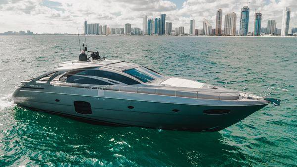 Pershing 70 Motor Yacht